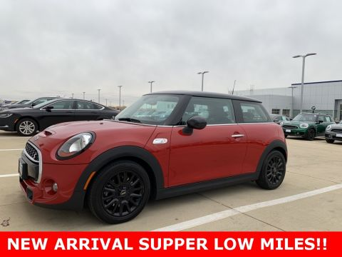 Certified Pre-Owned 2017 MINI Cooper S Base